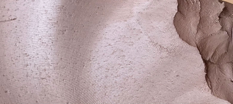 Grog in terracotta clay