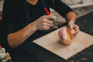 Airbrushing Underglaze onto pottery