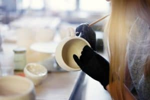 how long should glaze dry before firing