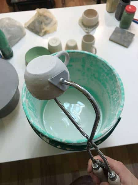 how long should pottery glaze dry
