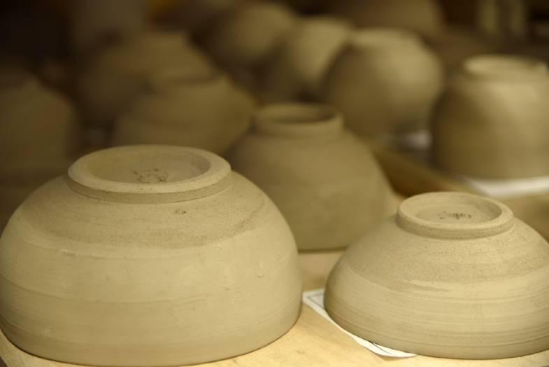 s cracks in pottery